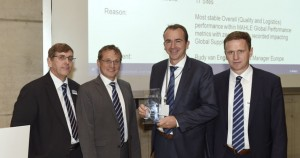 DuPont-Receives2015GlobalSupplierAwardFromMAHLE